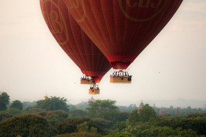 A controlled ascent over Bagan that allows passengers to view a very busy life below