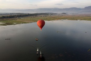 The ascent after takeoff by Balloons Over Inle
